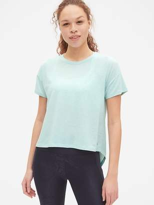 Gap GapFit Breathe Short Sleeve Hi-Lo Hem T-Shirt