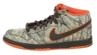 Nike Dunk Mid PRM SB Real Tree Camo Sneakers