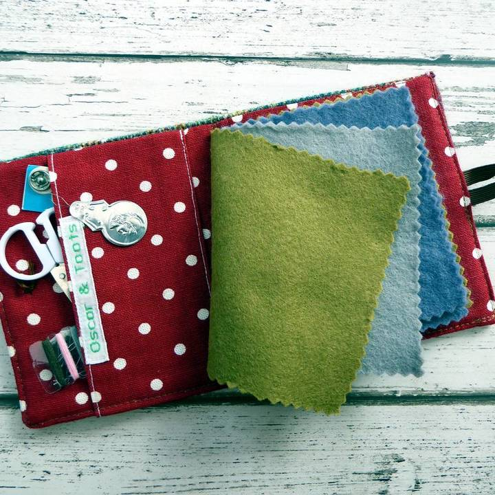 Oscar & Toots Thistle Needle/Sewing Case