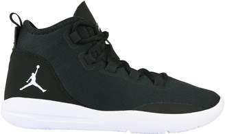 Jordan Child Reveal BG Basketball Shoes (5.5 M Big Kid, )