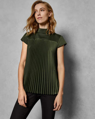 01ffa18e9 at Ted Baker · Ted Baker LAURRA Pirouette pleated top