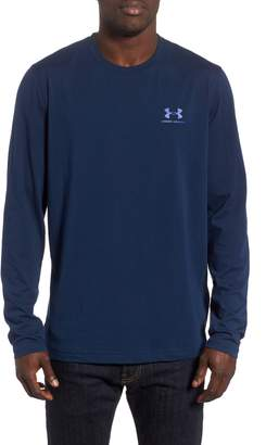 Under Armour HeatGear(R) Long Sleeve Performance T-Shirt