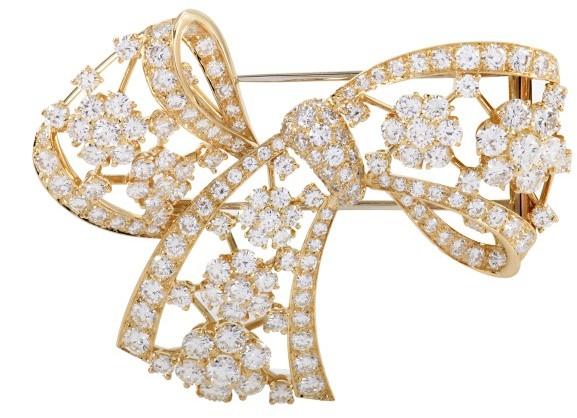 Van Cleef & ArpelsVan Cleef & Arpels 18K Yellow Gold & Diamond Pave Bow Brooch