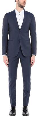 ROYAL ROW Suit
