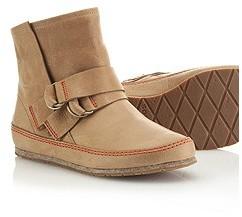 Sorel Women's YaquinaTM Leather Boot