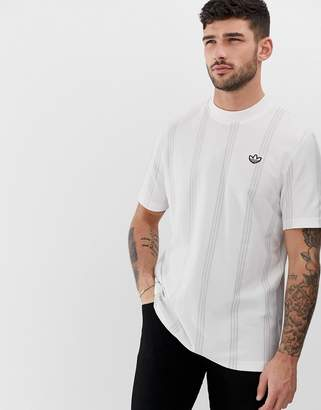 adidas tennis t-shirt in white stripe