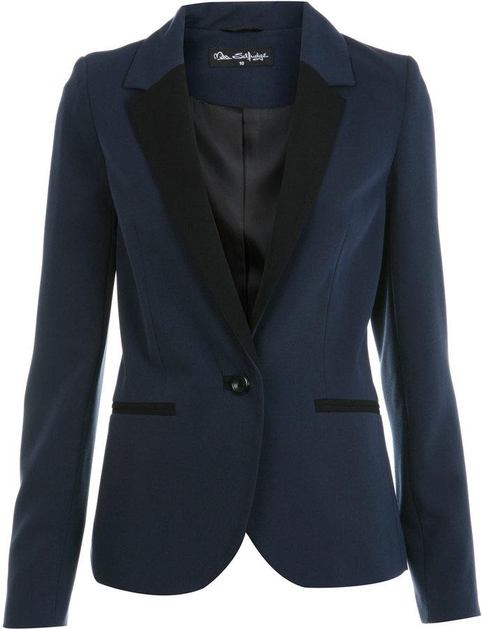 Navy skinny lapel blazer