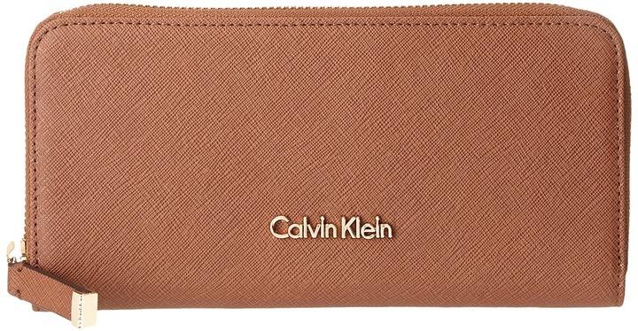 Calvin KleinCalvin Klein - Saffiano Wallet Wallet Handbags