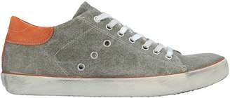 Leather Crown Low-tops & sneakers - Item 11590290GJ