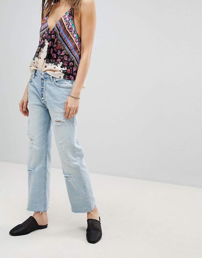 – Rolling On The River – Kurze Jeans mit geradem Schnitt in Used-Optik