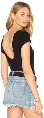 Frame スクープバックTシャツ