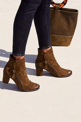 Bueno Yontville Ankle Boot