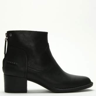 UGG Womens > Shoes > Boots