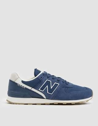 New Balance 696 Sneaker in Blue