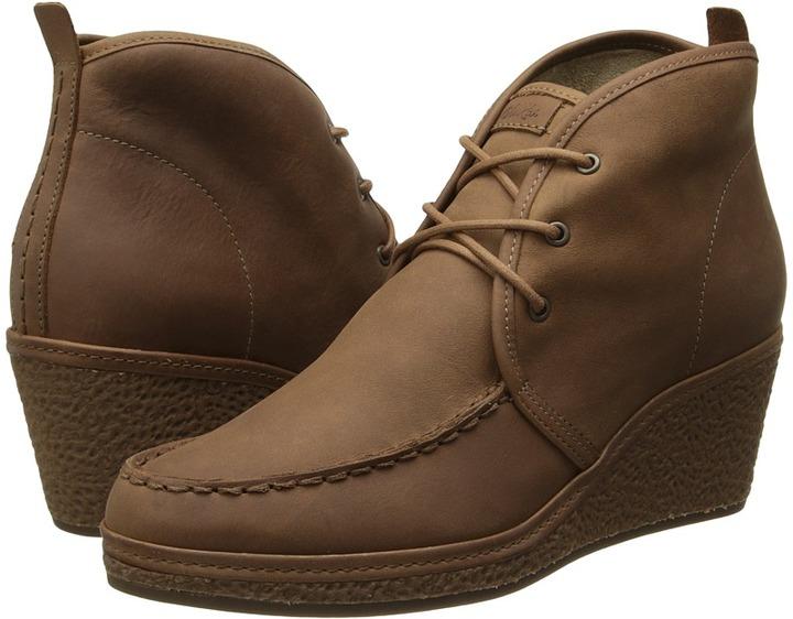 OluKai Wali Wedge Leather