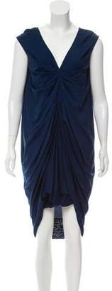 Alexander McQueen Sleeveless Knee-Length Dress