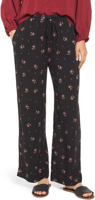 Velvet by Graham & Spencer Floral Printed Pants