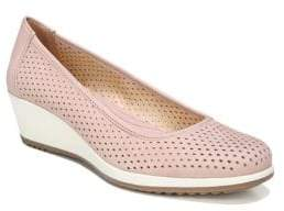Naturalizer Betina 2 Perforated Wedges