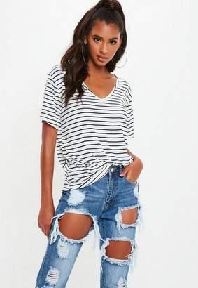Missguided White And Navy Striped V Neck Boyfriend T Shirt