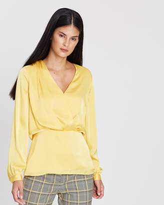 45378621f333e at THE ICONIC. Reiss Miranda Plain Plunge Blouse