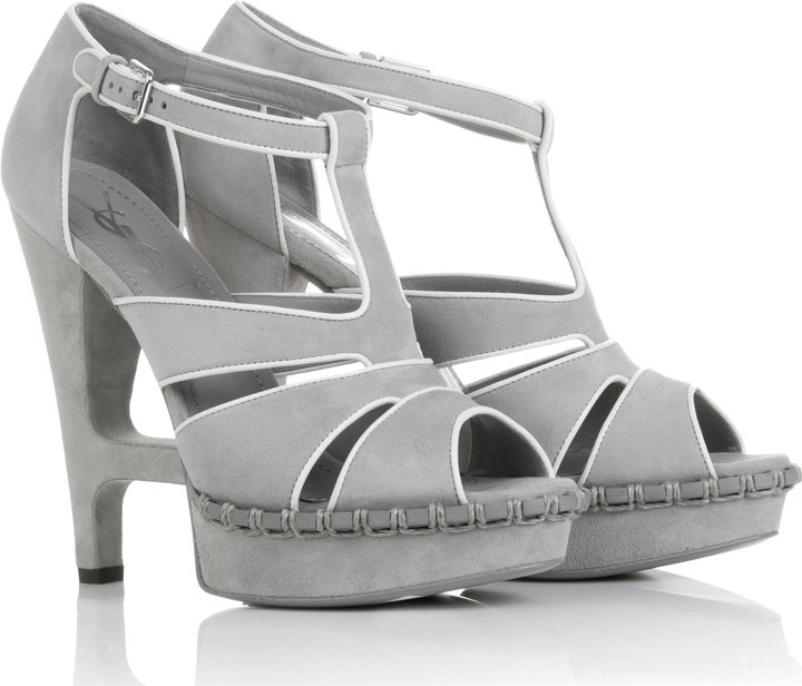 Yves Saint Laurent Essentiel 105 Sandal