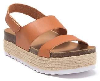 Chinese Laundry Peyton Smooth Platform Sandal