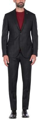 L'8 BY Suit