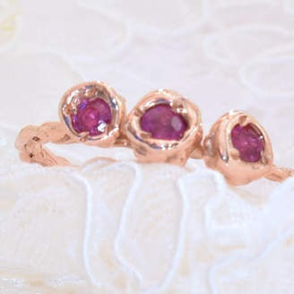 LaParra Jewels Gold Ring Set With Three Pink Sapphires