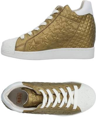 Ash High-tops & sneakers - Item 11460073KQ