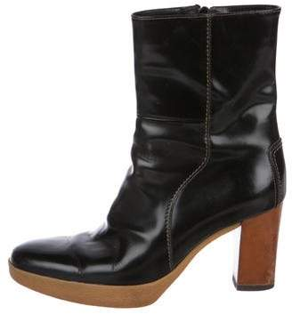 Tod's Leather Round-Toe Boots