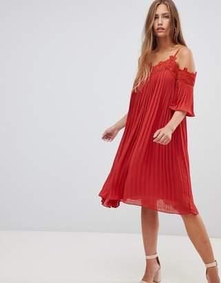 Gilli cold shoulder pleated midi dress with crochet trim