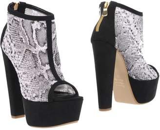 Alberto Moretti Ankle boots - Item 11221885