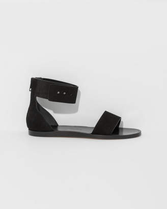 Common Projects Women By Zip Sandal