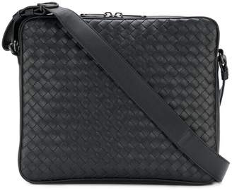 Bottega Veneta nero Intrecciato messenger bag