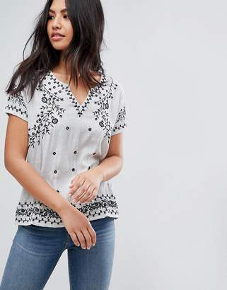 Deby Debo Lise Embroidered Top