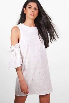 Damen Poppy Etuikleid aus Spitze mit ausgeschnittenen Schultern in Weiß
