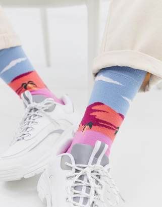 Asos Design DESIGN ankle socks with surfer beach landscape