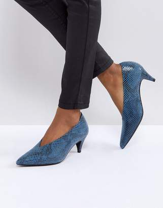 Gestuz Snake Skin Shoe