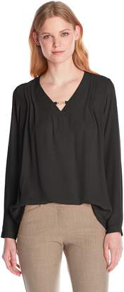NY Collection Women's Long Sleeve V-Neck Hi Hel Tab Blouse with Pleating