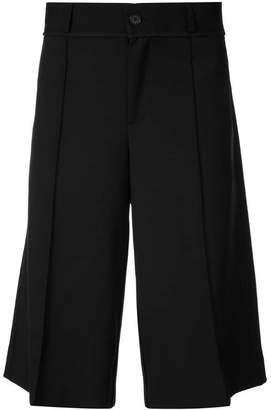 Yang Li bermuda shorts