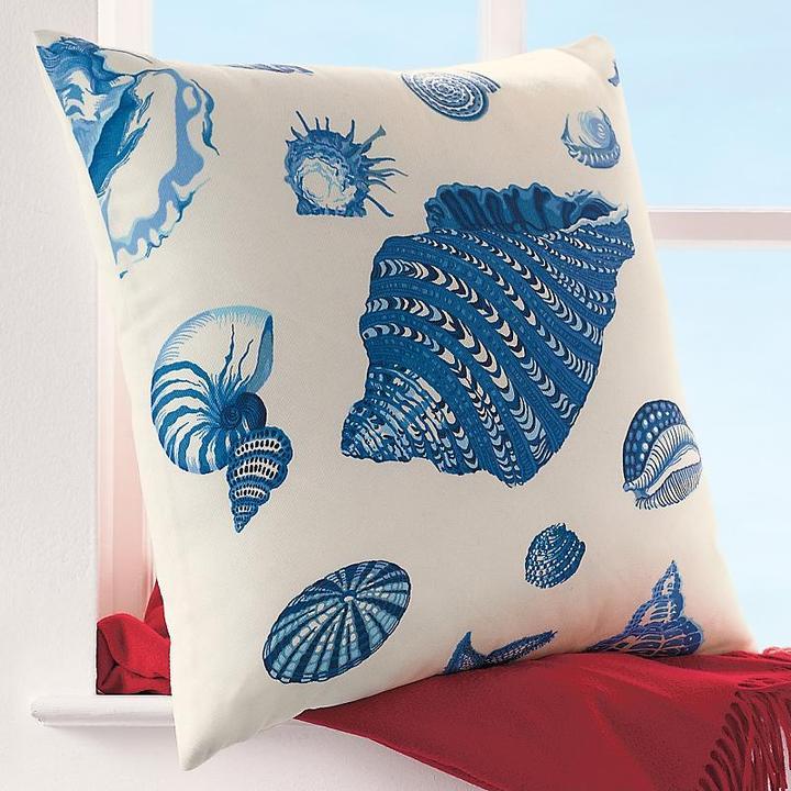 Shell Indoor-Outdoor Pillow