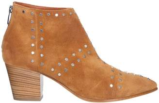 Janet & Janet Bahamas Suede Ankle Boots
