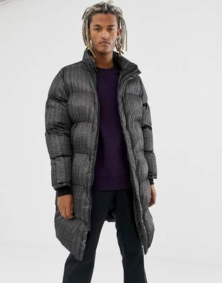 Pull&Bear puffer jacket in black check