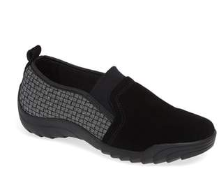 Bernie Mev. Swift Slip-On Sneaker