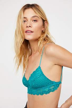Essential Lace Sweetheart Bralette
