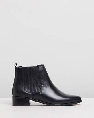 Atmos & Here Viviana Leather Ankle Boots