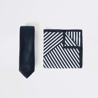 River Island Mens Navy satin tie and stripe handkerchief set