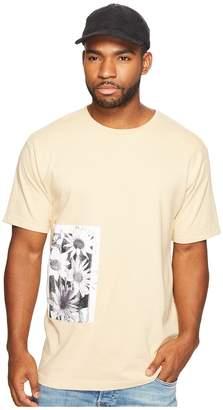 Publish Daisy Page Print T-Shirt Men's Clothing