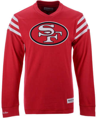 Mitchell & Ness Men San Francisco 49ers Team Captain V-Neck Long Sleeve T-Shirt