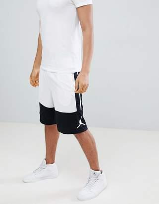 Jordan Rises Shorts In White 889606-014